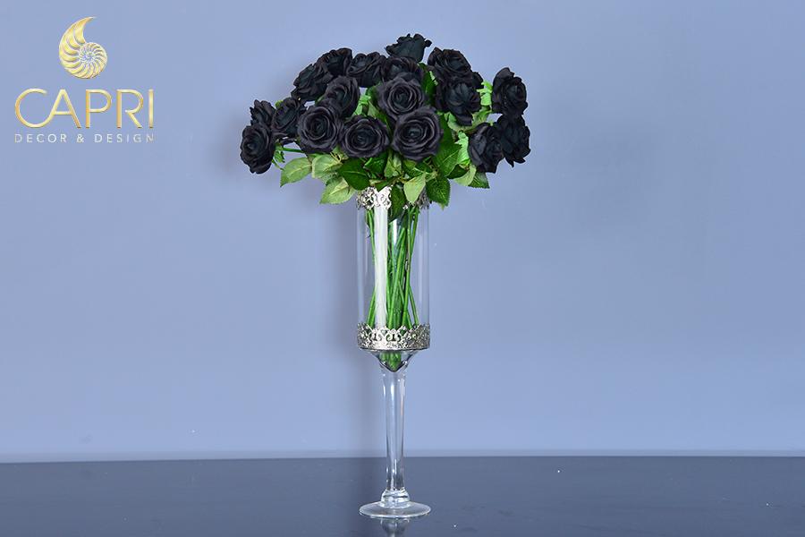 Hoa hồng đen, loài hoa u buồn mà kiêu hãnh